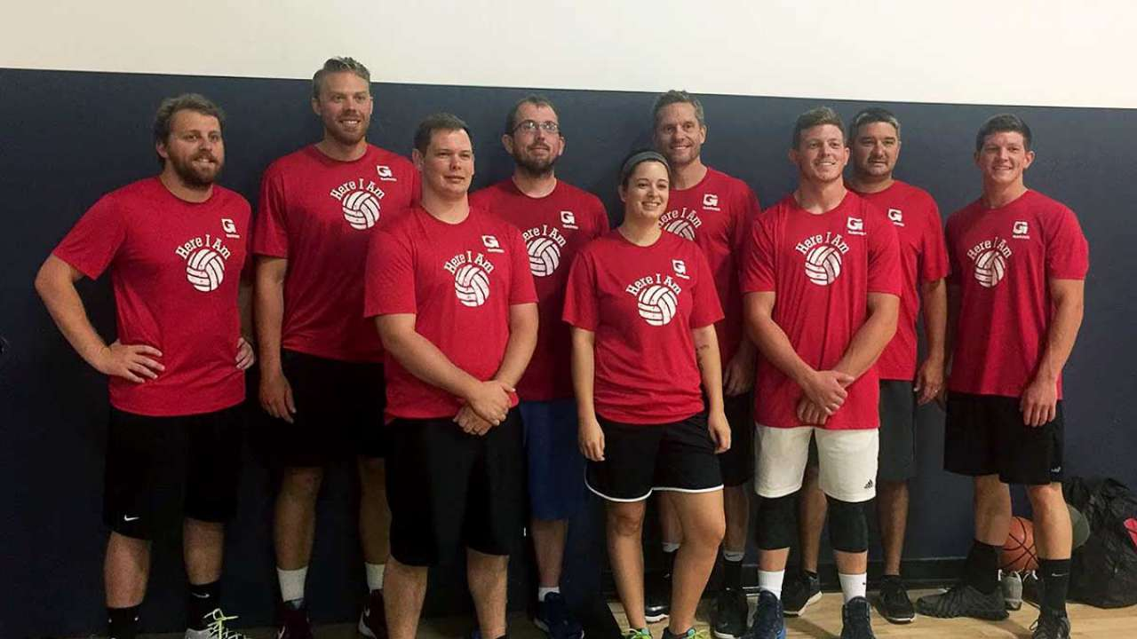 Garver basketball team gathers to aid charity