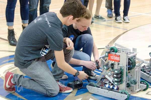 Garver Gives Byant Robotics Camp