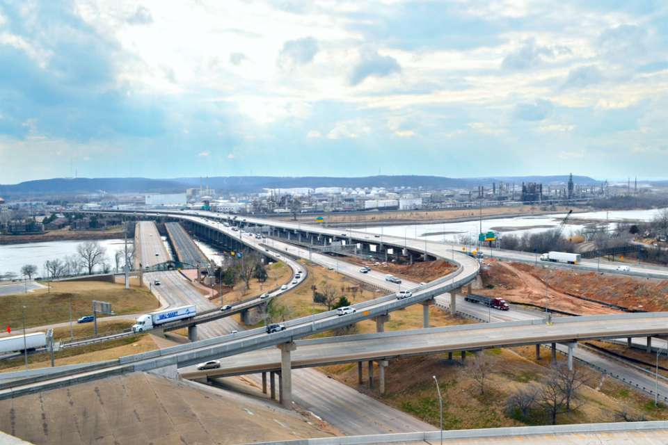 Garver designed replacement to the deteriorated westbound I-244 bridge across the Arkansas River in Tulsa